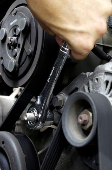 Kobalt Xtreme Access wrench car
