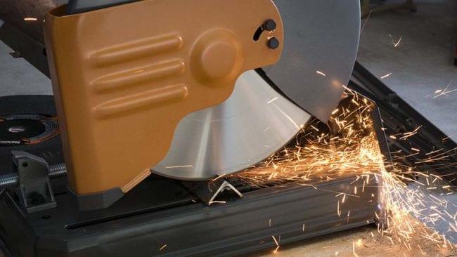 Milwaukee 14-Inch Steelhead Diamond Cut Off Blade - Action