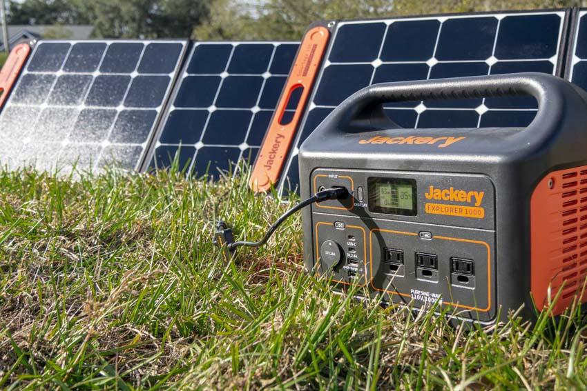 Jackery Explorer 1000 Solar Generator Review | Battery Inverter